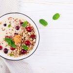 ¿Qué beneficio tienen los cereales integrales en la alimentación?